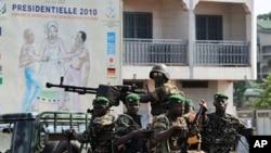 Patrouille militaire à Ratoma, un quartier de Conakry (18 nov. 2010)
