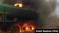 17일 아프리카 모잠비크 테테 주의 한 마을에서 유조차가 전복된 뒤 폭발했다.