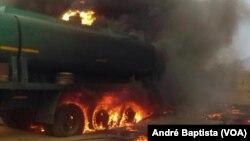 Un camion-citerne a explosé à Caphiridzange, dans la province de Tete (ouest), au Mozambique, 17 novembre 2016. André Baptista (VOA)