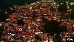 Las favelas han generado a lo largo de las décadas sus propios códigos, normas y cultura, según el experto.