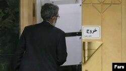 حداد عادل در مجلس شورای اسلامی، یک روز پس از اعلام نتایج قطعی انتخابات.