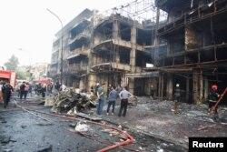 2016年7月3日伊拉克首都早晨发生爆炸事件现场。