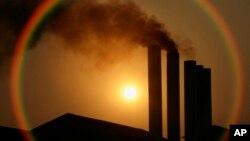 EE.UU. se comprometió a reducir sus emisiones a un 30 por ciento por debajo de los niveles del 2005 hacia el 2025 y de un 42 por ciento al 2030, pero aún no ha podido concretar el plan.