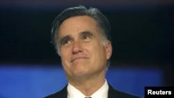 El republicano Mitt Romney durante su discurso de concesión ante sus seguidores, en Boston, esta madrugada de miércoles.