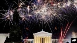 در شب چهارم جولای آسمان اکثر شهر های امریکا چراغانی می شود