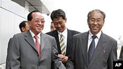 지난 4일 방북 당시 호르 남홍 캄보디아 외교장관 (왼쪽).