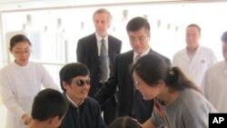 陈光诚5月2日在北京朝阳医院和家人团聚
