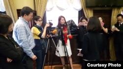 台湾民航局副局长何淑萍9月26日在蒙特利尔接受媒体采访