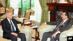 فصیح بخاری کی وزیراعظم گیلانی سے ملاقات