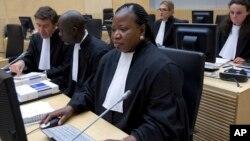 Jaksa kepala ICC Fatou Bensouda meminta penundaan pengadilan atas Presiden Kenya Uhuru Kenyatta bulan lalu (foto: dok).
