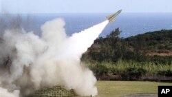 圖為台灣今年1月18日在屏東的軍事基地發射地對空導彈