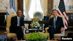 Presiden AS Barack Obama bertemu Presiden Argentina Mauricio Macri di Casa Rosada, Buenos Aires, Rabu (23/3).