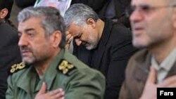 فرمانده کل سپاه و سردار سلیمانی در مراسم ترحیم یکی از فرماندهان سپاه که در سوریه کشته شد