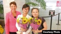 女权无疆界负责人瑞洁(左)张安妮(右)和张儒莉(女权无疆界组织提供)