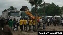La capitale malienne Bamako a engagé une opération d'assainissement. (VOA/ Kassim Traoré)