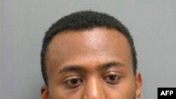 Yonathan Melaku, người Ethiopia nhập tịch Mỹ, bị truy tố về tội hủy hoại tài sản và vi phạm quyền sở hữu vũ khí