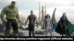Scena iz filma Tor: Ragnarok
