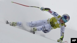 American Lindsey Vonn speeds down the course in a women's World Cup combined race in Soldeu, Andorra, Feb. 28, 2016.