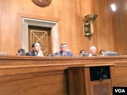 参议院外交关系委员会亚太小组委员会就南中国海裁决举行听证会 (美国之音张佩芝拍摄)