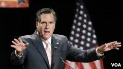 Los sondeos siguen dando la preferencia al ex gobernador de Massachusetts Mitt Romney.