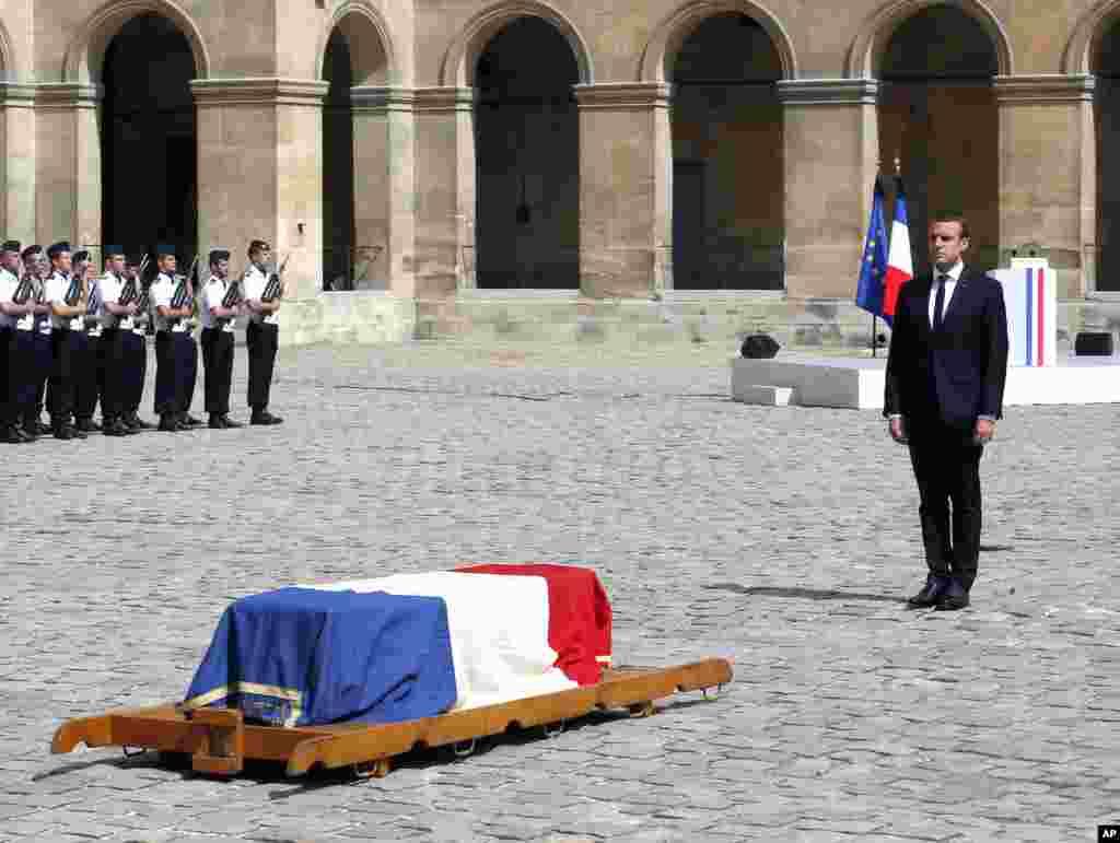 Fransa prezidenti Emanuel Makron Holokost-da sağ qalan Simon Veylin dəfn mərasimində