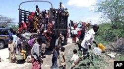 过去两星期有成千上万人到达索马里首都摩加迪沙寻求帮助