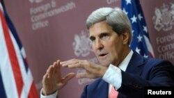ທ່ານ John Kerry ກ່າວໃນລະຫວ່າງກອງປະຊຸມຖະແຫຼງຂ່າວ ຮ່ວມກັບລັດຖະມົນຕີການຕ່າງປະເທດອັງກິດ ທ່ານ William Hague ທີ່ກຸງລອນດອນ (9 ກັນຍາ 2013)