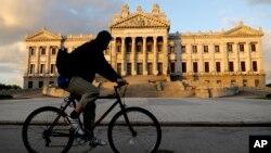 El Parlamento de Uruguay se apresta a aprobar el Tratado de Libre Comercio con Chile.