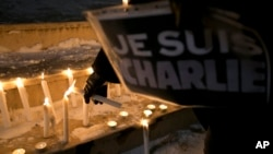 Građani Kosova odaju poštu žrtvama napada u Francuskoj