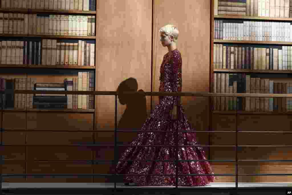 هفته مد پاریس با لباسهای برند شنل، مجموعه پائیز و زمستان ۲۰۲۰.