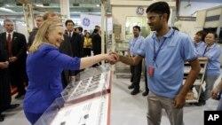 Госсекретарь США Хиллари Клинтон в Сингапуре