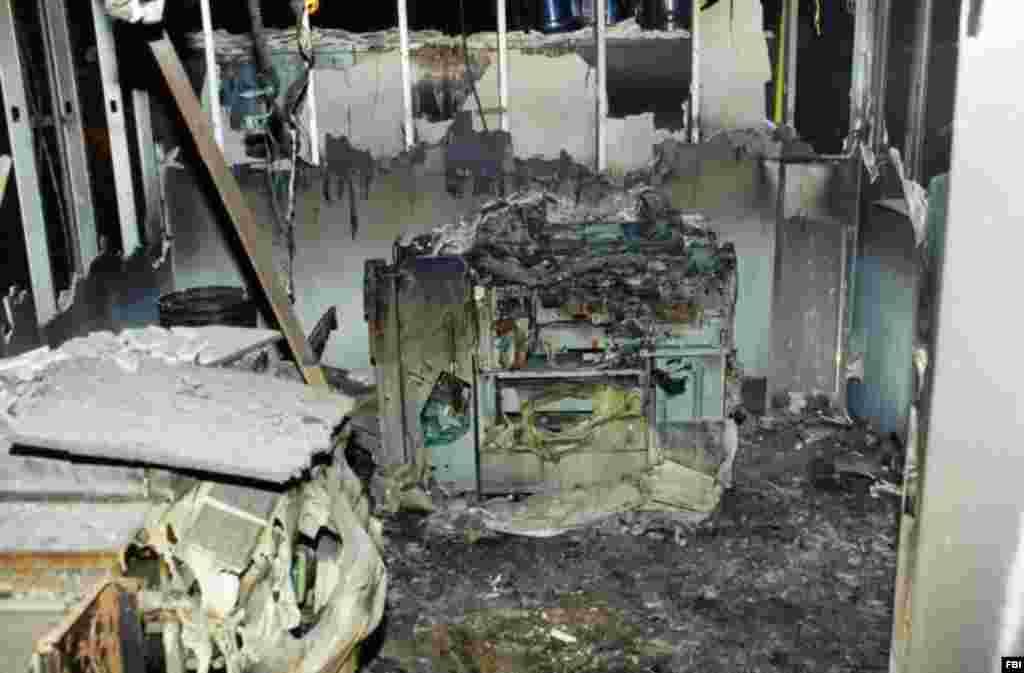 Один из сгоревших офисов Пентагона