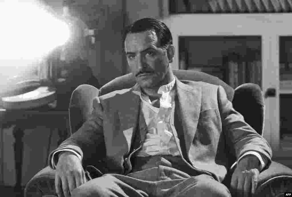 Diễn viên Jean Dujardin trong phim 'The Artist' (The Weinstein Company)