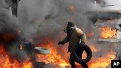 2月18日基辅议会大厦附近发生冲突