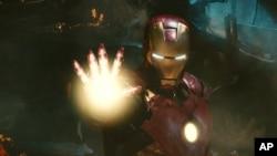 """La armadura al estilo de Iron Man estaría hecha de """"metal líquido""""."""