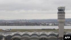 Аэропорт имени Рейгана в столице США - Вашингтоне.