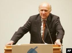憲法學律師弗羅德‧艾布拉姆斯(Floyd Abrams)