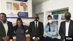 UMeya wedolobho lakoBulawayo, uMnu. Solomon Mguni, lezinye iziphathamandla zekhansili, (PHOTO: Ezra Tshisa Sibanda)