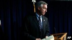 El procurador general electo del Condado Montgomery, Pennsylvania, anunció los cargos contra Bill Cosby. Dic. 30, de 2015.