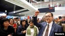 အတိုက္အခံ ေခါင္းေဆာင္ Sam Rainsy