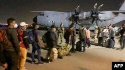 ევაკუაცია საფრანგეთის სამხედრო თვითმფრინავზე. 17 აგვისტო, ქაბული, ავღანეთი
