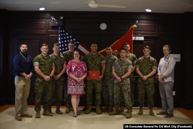 Trung sỹ Justin Searcy tại Tổng lãnh sự Mỹ ở TP Hồ Chí Minh.