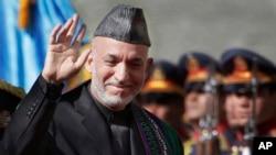 Odlazeći avganistanski predsednik Hamid Karzai za vreme inauguracije u Kabulu 19. novembra 2009, na početku drugog mandata.