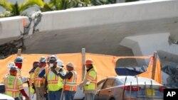 La Junta Nacional de Seguridad en el Transporte (NTSB, por sus siglas en inglés) dijeron que han iniciado su investigación y aún no pueden confirmar si alguna grieta contribuyó a la caída.