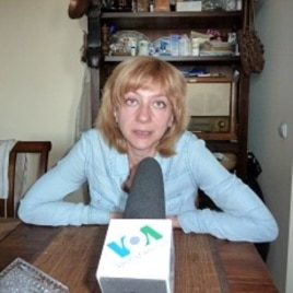Irina Khalip during her interview with VOA's James Brooke