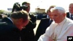 Tổng thống Mexico Felipe Calderon đón chào Đức Giáo hoàng Benedicto 16