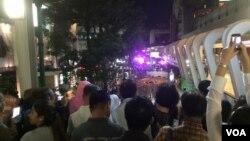 Scene of bomb blast in Bangkok, Thailand, Aug. 17, 2015. (Photo: Barry Newhouse / VOA)