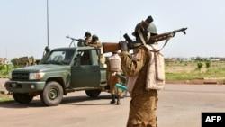 Des soldats de l'ex-régiment de sécurité présidentielle (RSP) lors d'une tentative de coup d'Etat à Ouagadougou, Burkina Faso, 29 septembre 2015.
