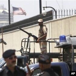 Les autorités pakistanaises ont renforcé la sécurité autour du consulat des Etats-Unis Karachi au Pakistan après la mort de Ben Laden.