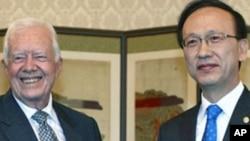 평양방문후 서울에서 현인택 통일부 장관을 만나는 카터 전 대통령